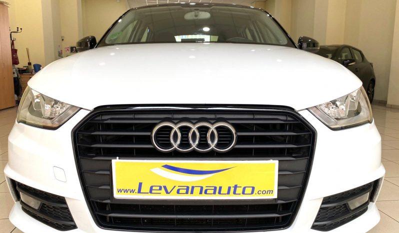 Audi / A1 Sportback TDI 90cv S-LINE lleno